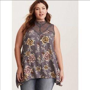 🎉Torrid gray lace floral blouse